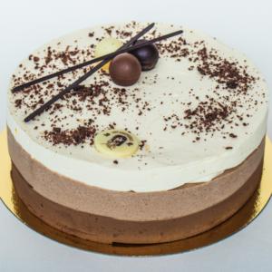 kolme shokolaadi mousse tort
