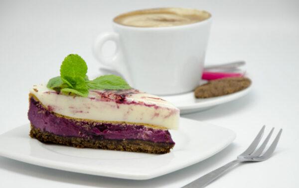 Cafe_Mademoiselle_Mustika-toorjuustu-kook